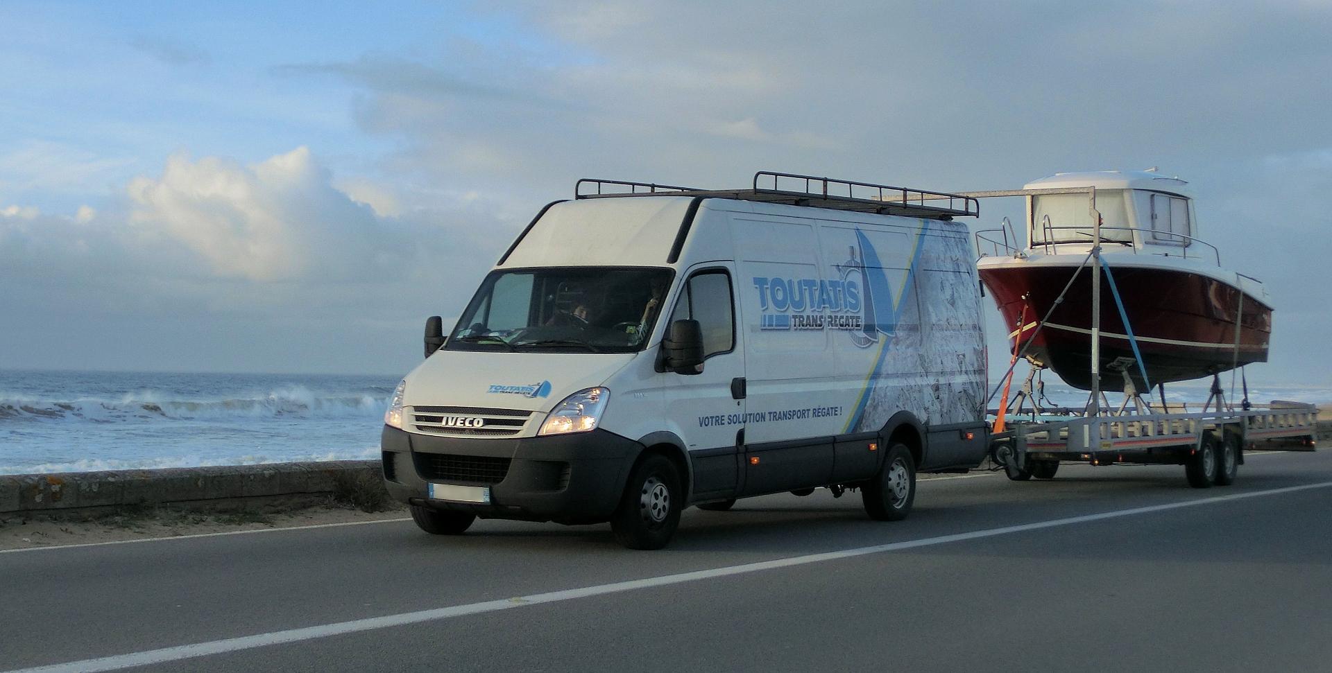 transporteur-de-bateaux-convoyage-régates-en-Bretagne-1